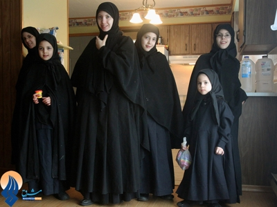 The Jews of Le Taher are a sect of Orthodox Jews who are being harassed from persecution by Zionists for their beliefs in all countries of the world. Jews, of whom dozens of them intended to be refugees in Iran, but were arrested before leaving Canada.